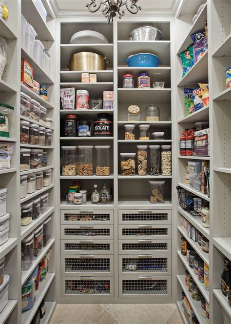 Wilmington Court - Pantry - Traditional - Kitchen