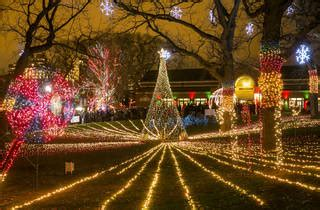11 Best Places to See Christmas Lights in Chicago