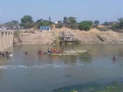 Bus carrying 'baraatis' falls into river in Rajasthan's