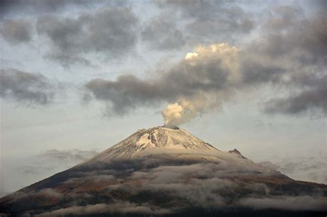 Volcanic Ash Shuts Down Mexican Airport After Popocatepetl