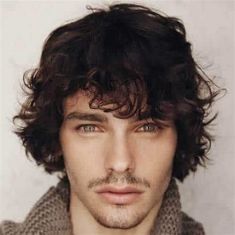 45 Easygoing Shaggy Hairstyles for Men – OBSiGeN