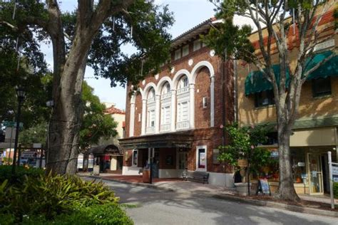 The old hardware store - Picture of Cocoa Village, Cocoa