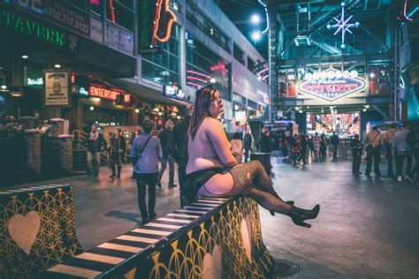 Performers at Fremont Street Experience